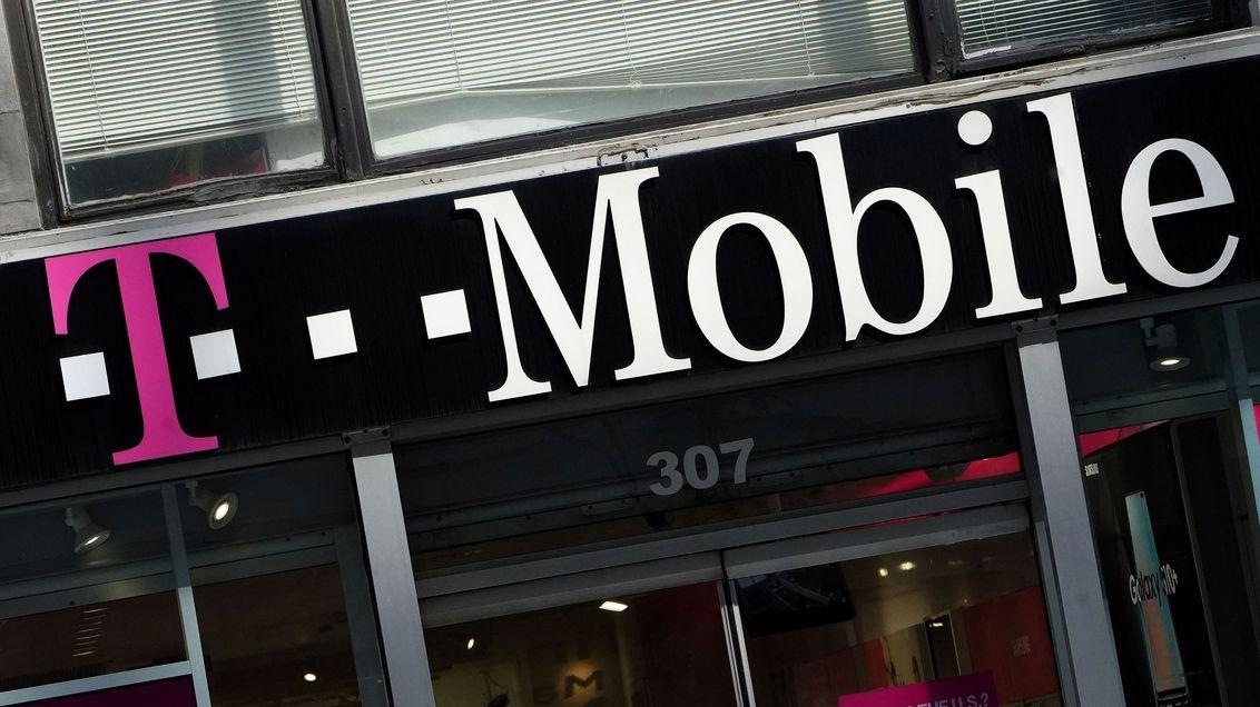 Lidé budou muset vyměnit mobily i u T-Mobilu, 3G síť se vypne v listopadu