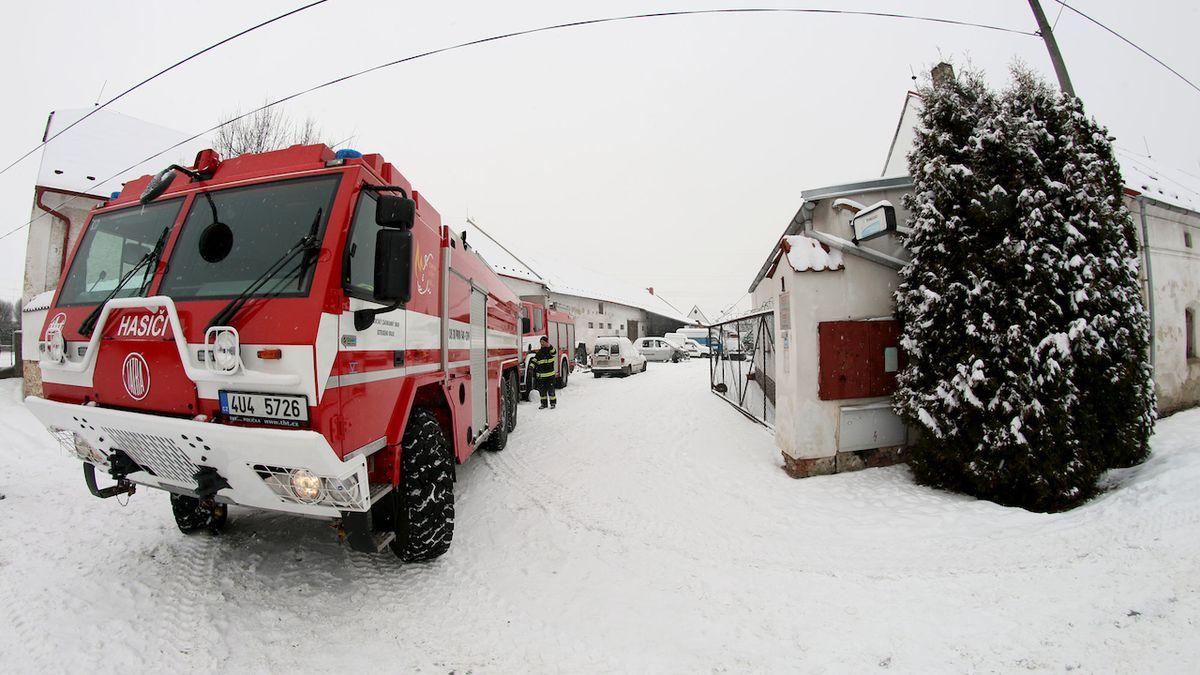 Chlapec na Děčínsku měl založit požár v rodinném domě a zatarasit východy