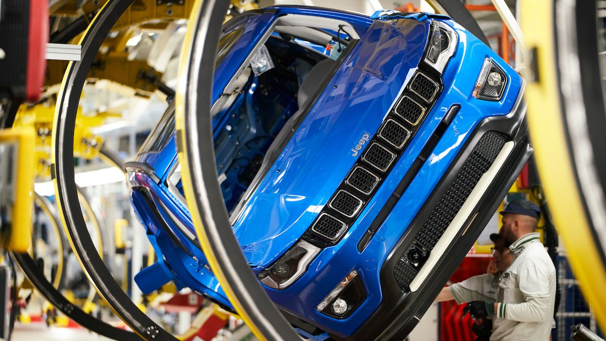 Koncern Fiat Chrysler si vylepšoval v USA prodeje, obchodníci se bouří