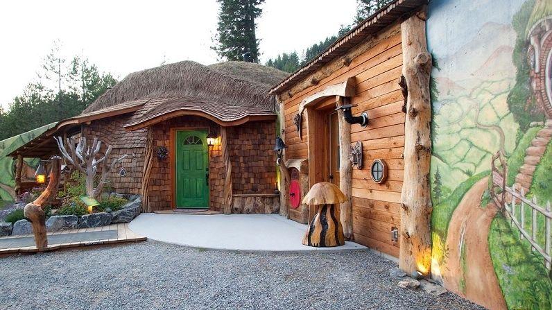 Dřevěný hobití hotel láká k pobytu milovníky fantasy světa