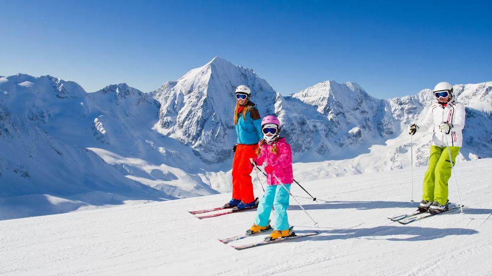 Češi jezdí lyžovat vícekrát za zimu. Nejvíc stále láká Itálie