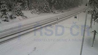 Počasí komplikuje dopravu. Silničáři zavřeli pro kamiony tah do Polska