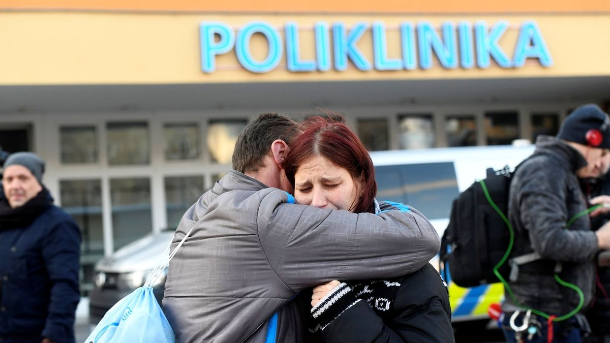 Stav ženy kriticky zraněné po střelbě v Ostravě se ještě zhoršil