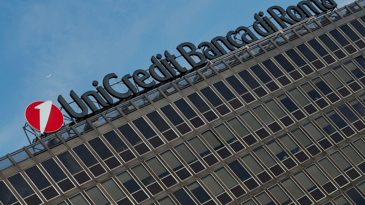UniCredit se chystá propustit osm tisíc zaměstnanců