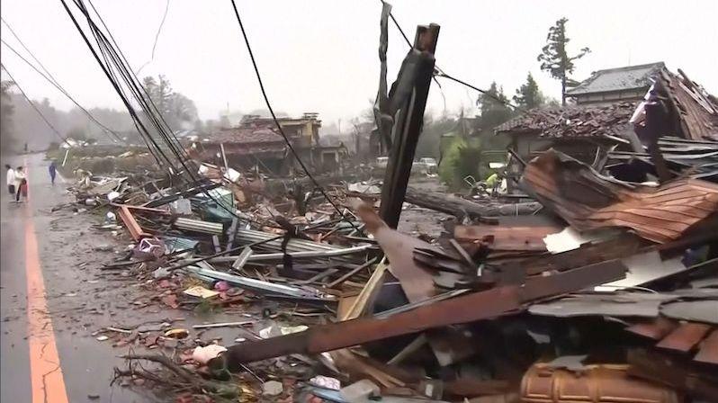 Tajfun v Japonsku má na padesát obětí