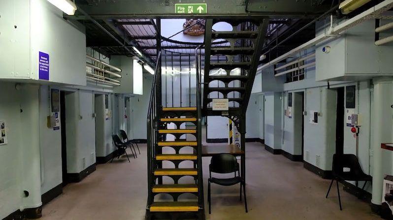 V Birminghamu zpřístupní věznici, kde seděli členové Peaky Blinders