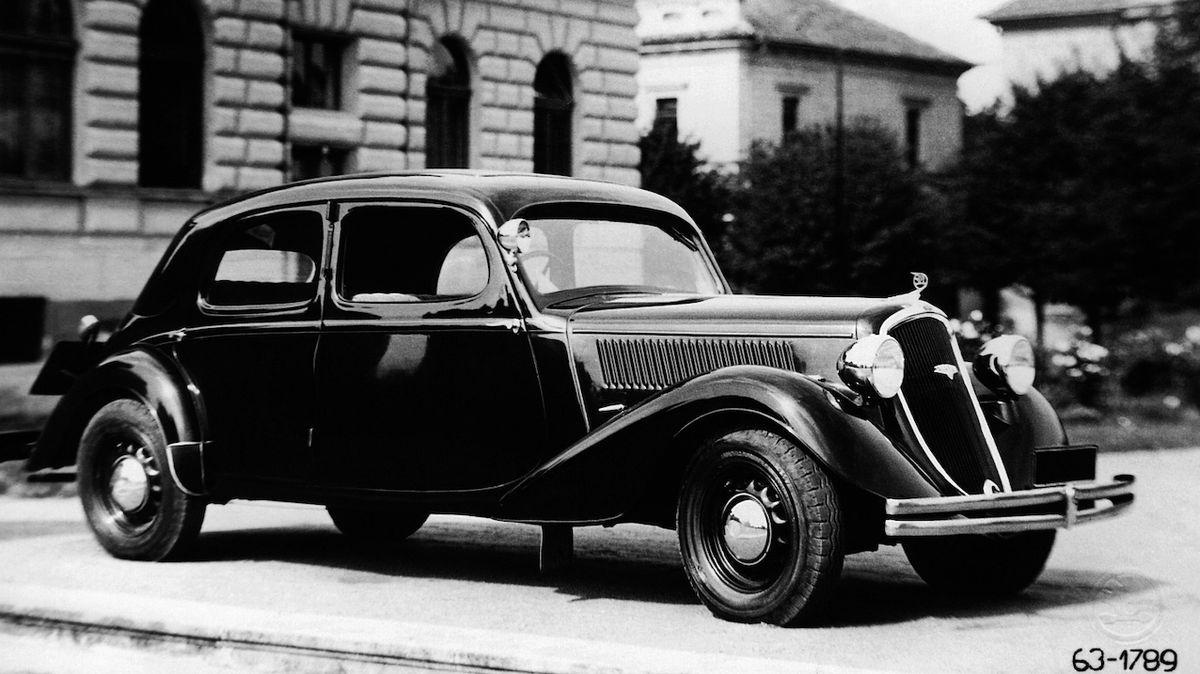 Škoda Superb slaví 85. narozeniny, první vozy měly 55 koní