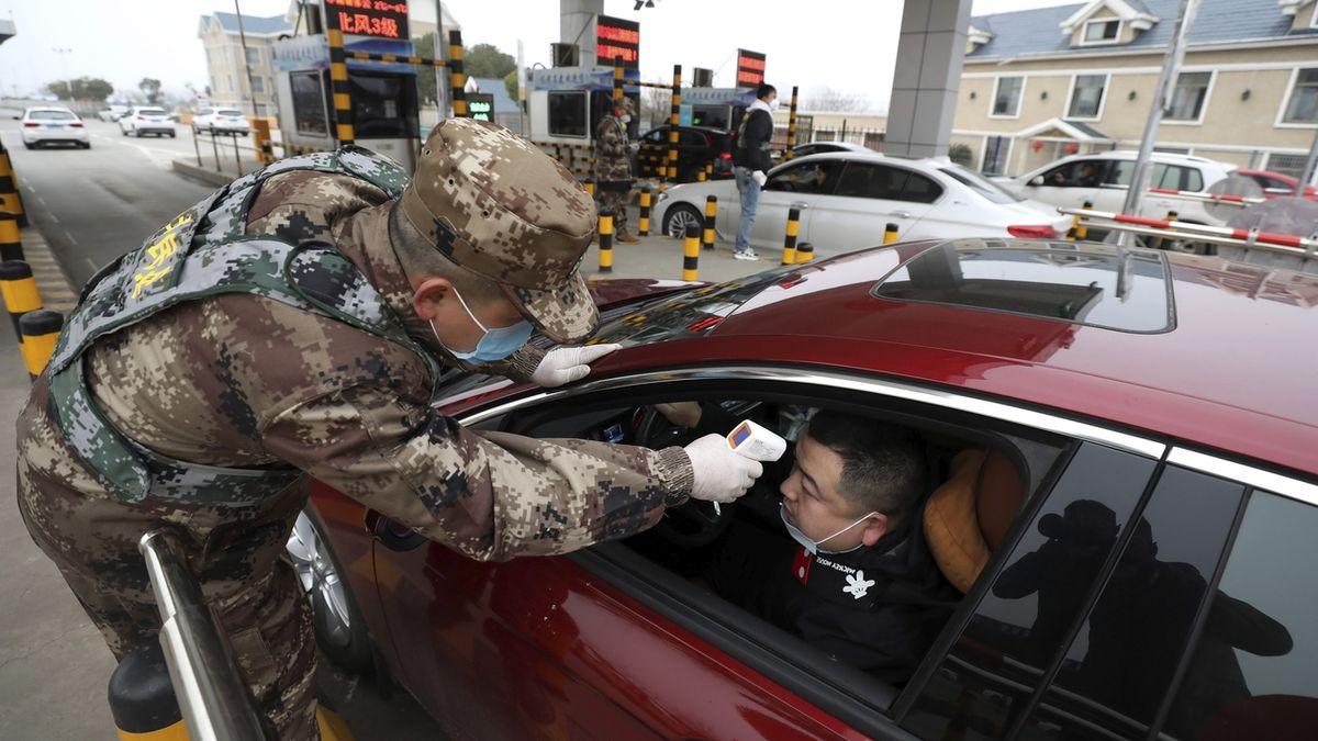 Evakuaci občanů plánují kvůli koronaviru USA, Francie i Rusko