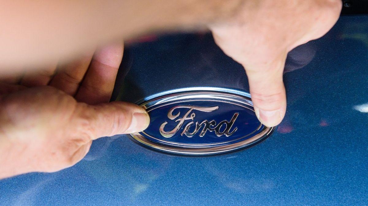 Ford couvá z Indie, ukončí místní výrobu