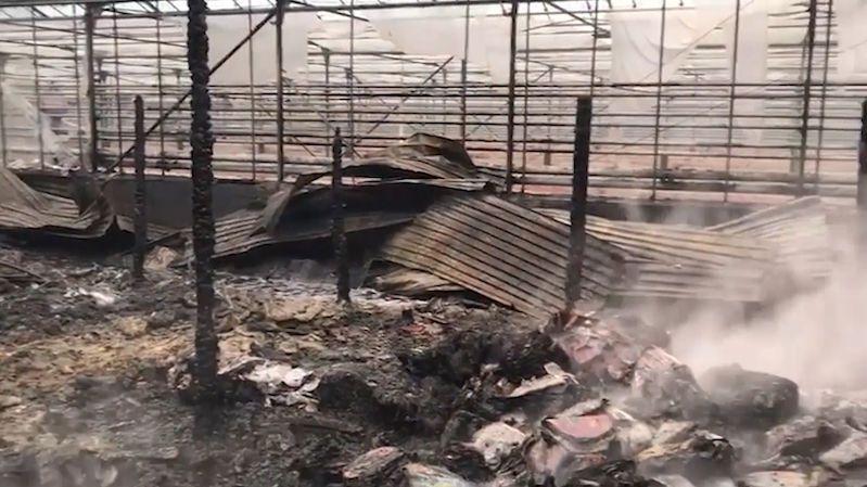 Při požáru ve sklenících u Moskvy uhořelo osm lidí