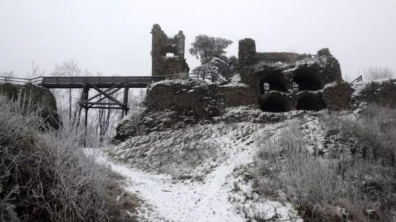 Králem ruin Zubří země na Bystřicku je jednoznačně majestátný Zubštejn