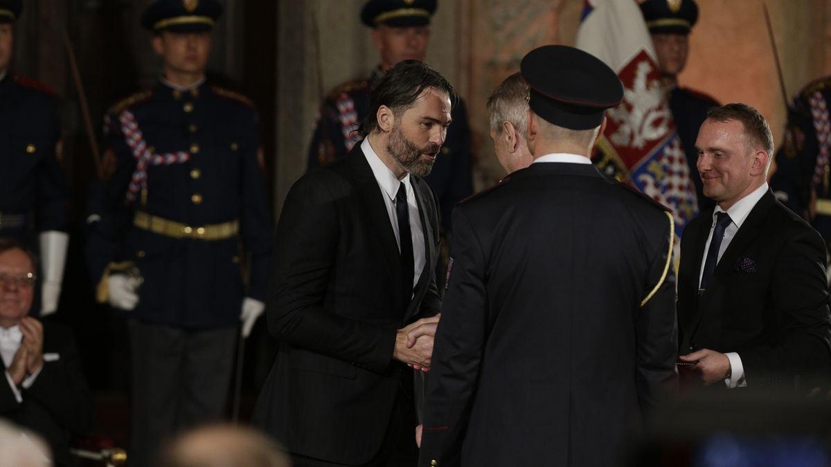 Jaromír Jágr dostal medaili Za zásluhy.