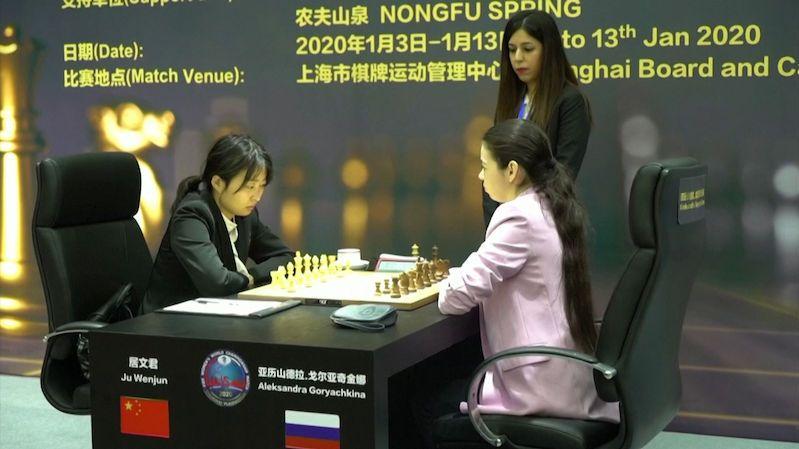 Íránská šachová rozhodčí si v Číně nezahalila vlasy. Teď se bojí návratu do vlasti