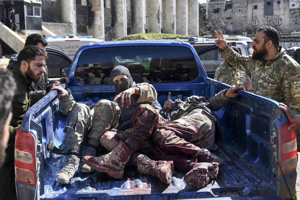 Zranění syrští vzbouřenci podporovaní Tureckem
