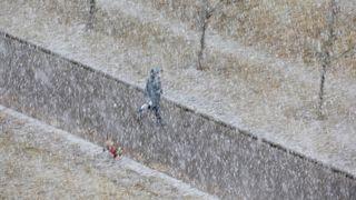 Česko zasáhne silné sněžení, hrozí i náledí