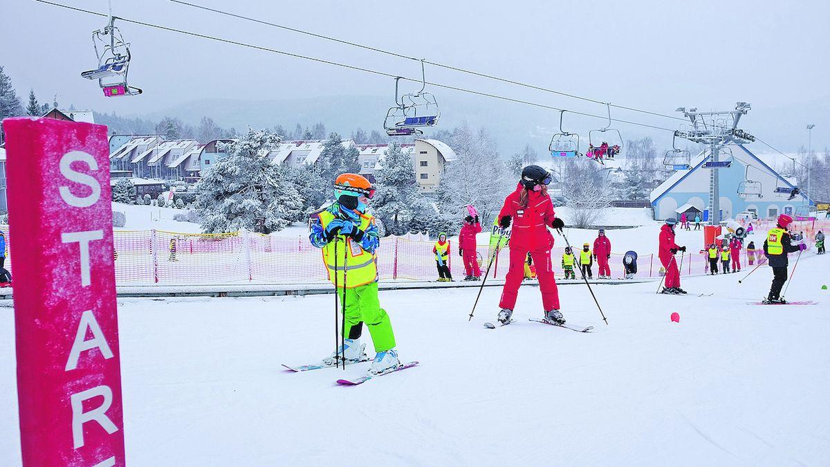 Místo do Itálie jezdí teď lyžaři na Lipno