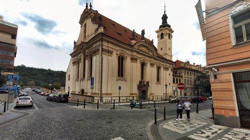 Praha koupí odsvěcený kostel Šimona a Judy, dostala slevu