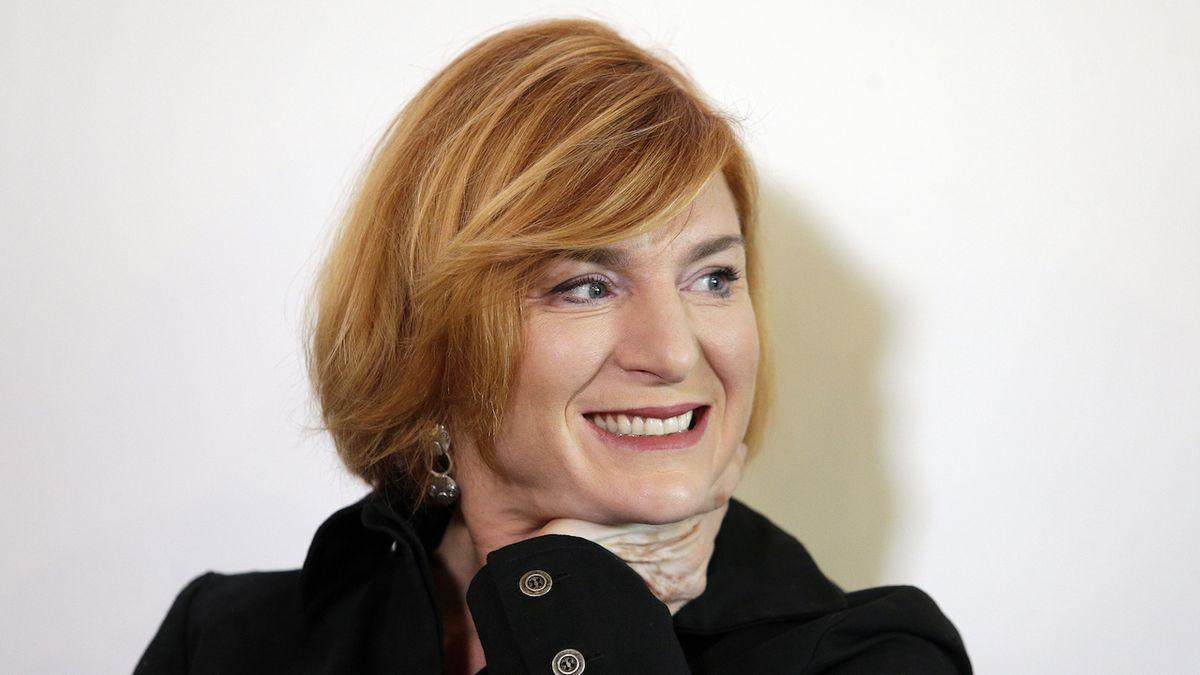 Nejen Lenka Krobotová se představí jako fotbalistka