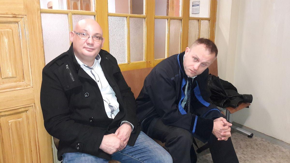 Obžalovaný Vítězslav Kroupa (vlevo) se svým obhájcem.