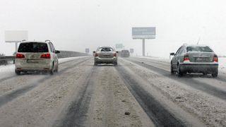 Meteorologové varovali před sněžením a tvorbou náledí
