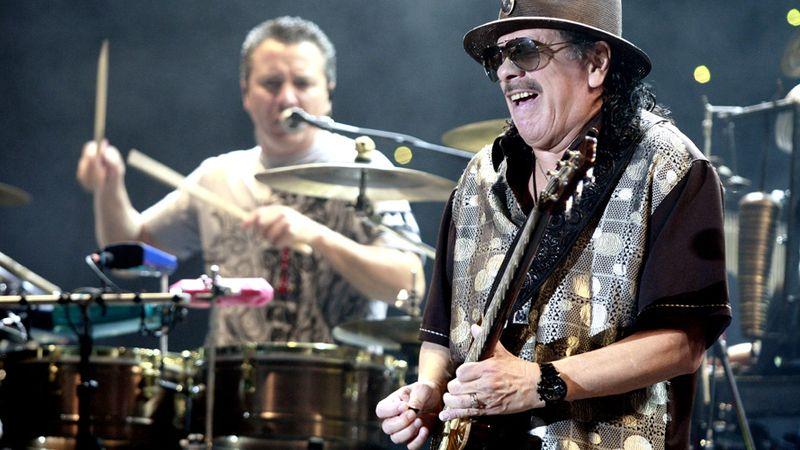 Legenda Woodstocku je zpět. Santana vydává Blessings and Miracles