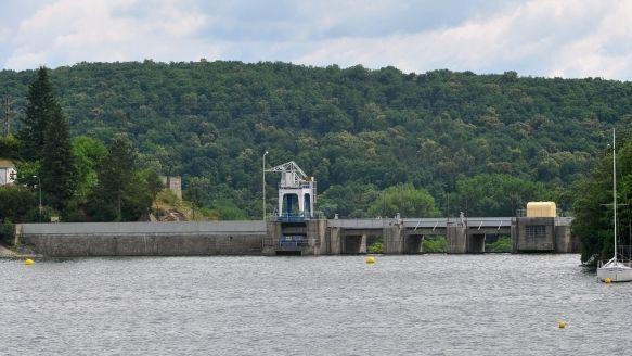 U Brněnské přehrady hrozí dopravní kolaps: využijte MHD, vyzývá policie