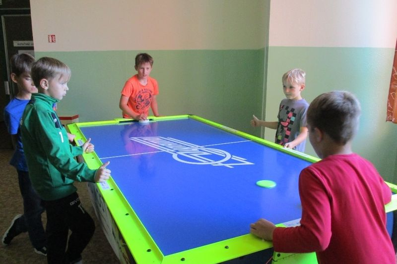 Air-hockey školám