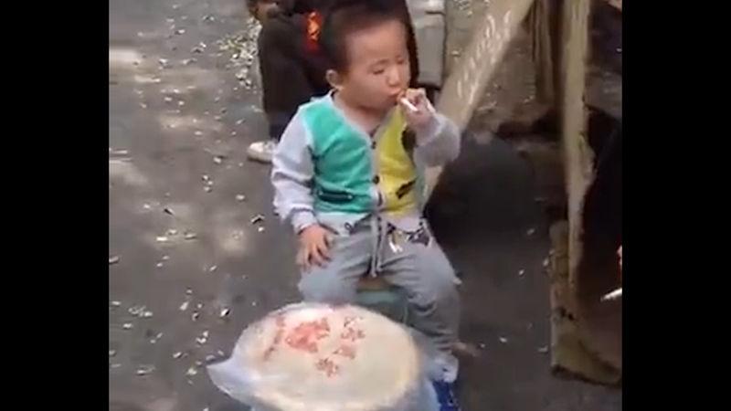 chlapec první kouření