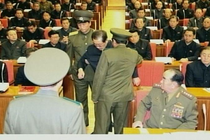 Čang Song-tchek byl zadržen v neděli na zasedání politbyra vládnoucí Korejské strany práce.