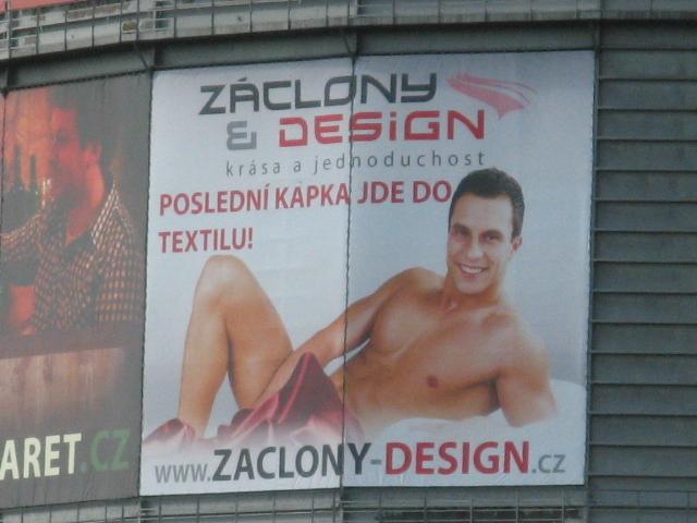 Nejvíc sexistická reklama? Video lesníků z Mendelovy univerzity - Novinky.cz
