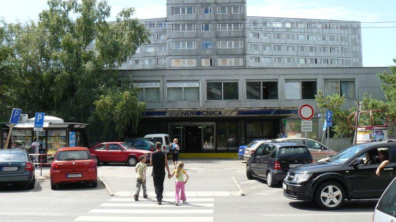 Slováky děsí přízrak exodu lékařů