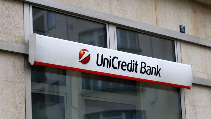 UniCredit chystá záporné úroky u velkých vkladů