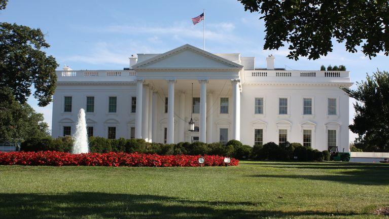 Potrumpovská dezinfekce. Bílý dům čeká před nástupem Bidena důkladný úklid