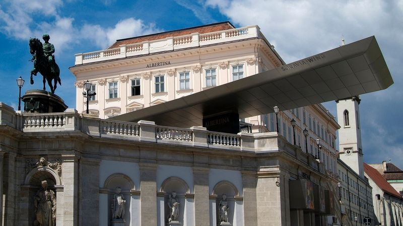 Světové galerie nabízejí prohlídku on-line