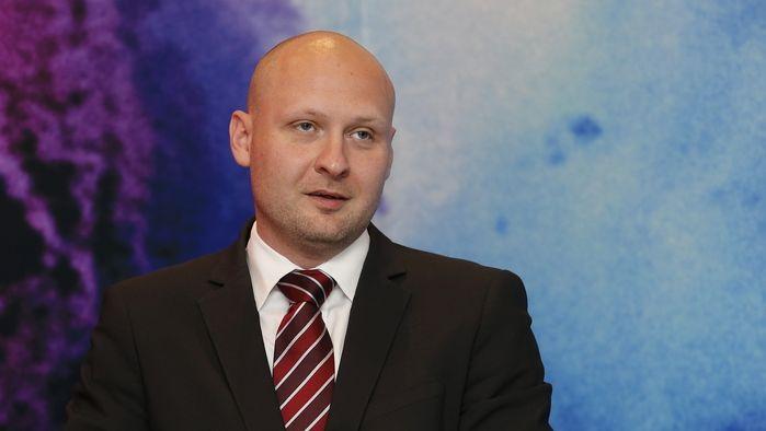 Pirát Wagenknecht o zvyšování daní: Zmínil komerční budovy i sladké nápoje