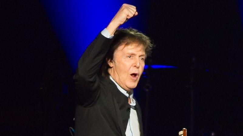 V češtině vychází kniha od Paula McCartneyho. Jezdí se v ní na hřbetech létajících ryb