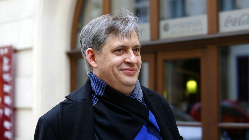 Z pražské kandidátky ČSSD odstoupil i Dienstbier. Na protest proti Stropnickému