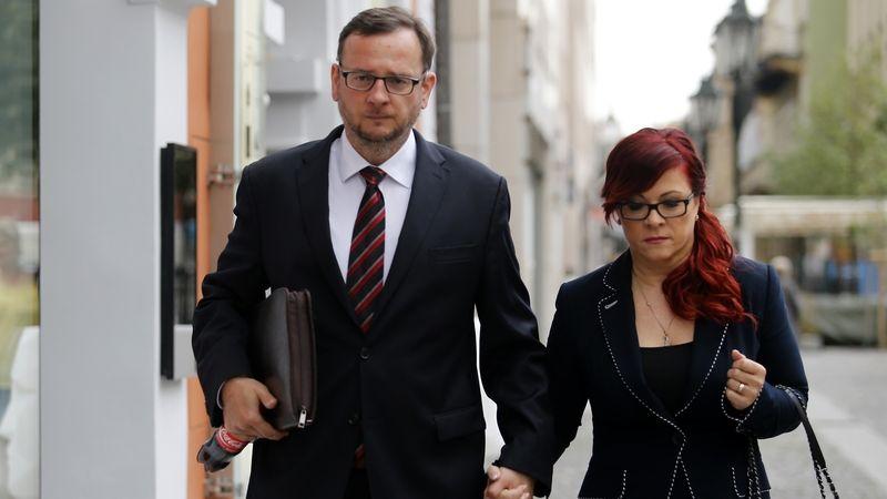 Odvolací soud zrušil osvobozující verdikt nad Nečasem a jeho ženou