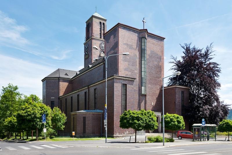 velký černý penis kostel