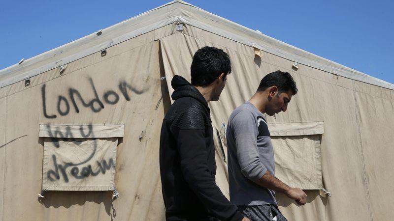 Pořád jenom brečím, říká afghánský uprchlík v Calais