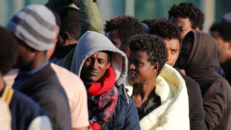 Slovinsko čelí sílícímu náporu migrantů