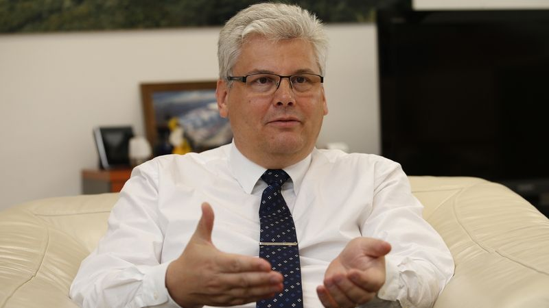 Čtyřicet procent lidí v nemocnici nemá příznaky, říká ředitel FN Motol