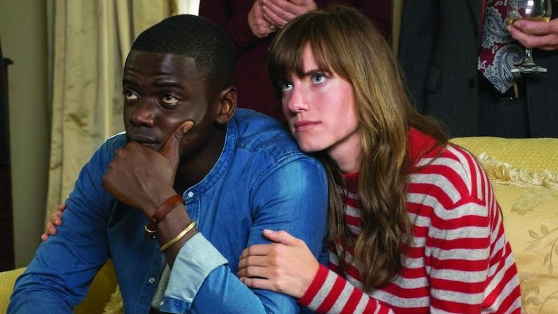 Daniel Kaluuya a Allison Williamsová ve filmu Get Out