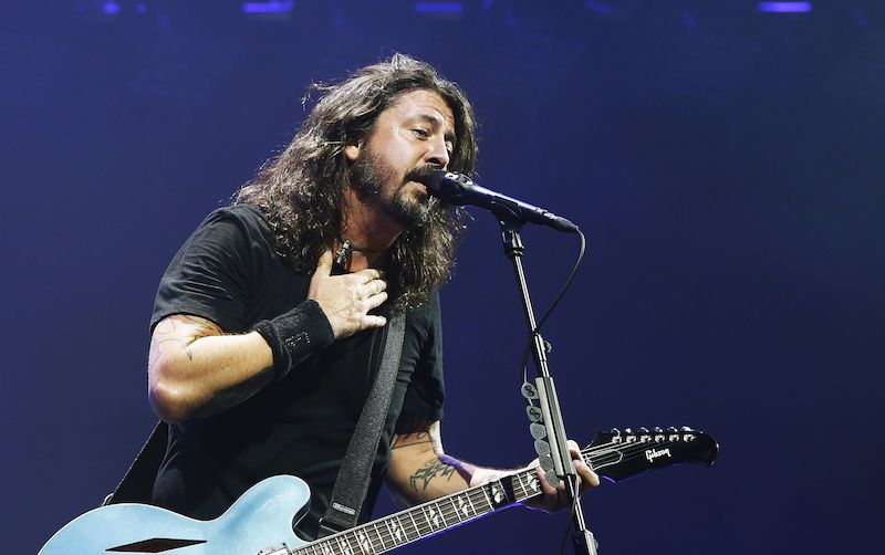Dave Grohl v akci.