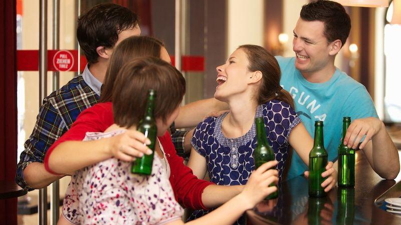 Mládež: místo konopí a alkoholu e-cigarety a energy drinky