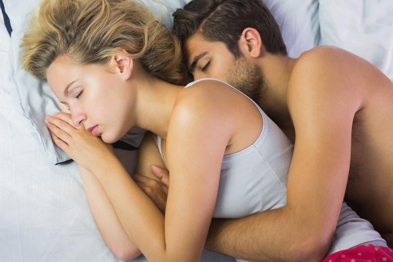 chodí spolu spát sims freeplay začít chodit