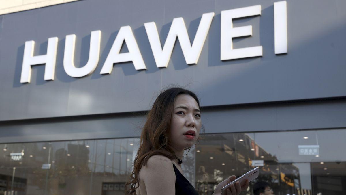 Terčem amerických sankcí budeme ještě dlouho, očekává Huawei