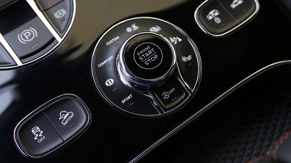 Jaguar Land Rover a Volkswagen před soud nepůjdou, automobilky dosáhly dohody