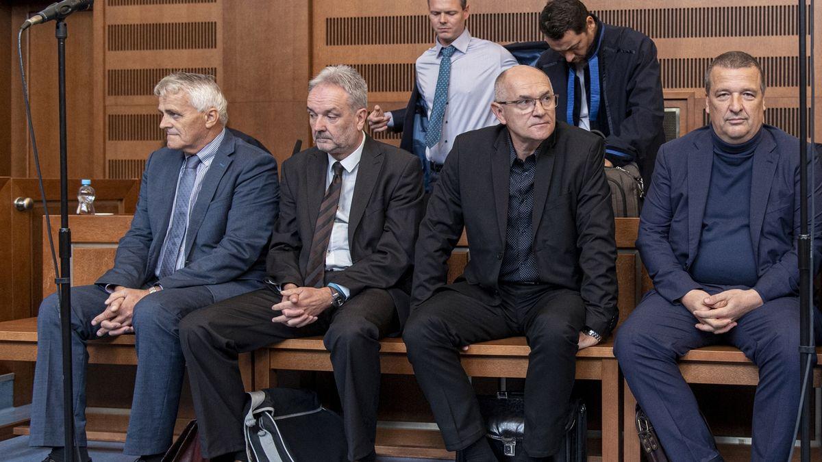 Soud v kauze hřebčína Kladruby potrestal tři z 22 obžalovaných