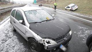 Silnice pokryje ledovka, varují meteorologové